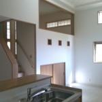 天井高、わかりますか!?中2階の下のお部屋は収納スペースや子供の遊び場に最適です!